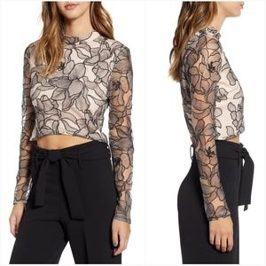 a5ace15f5c9 Wayf Tops - Wayf Mina Cropped Lace Top Size XL